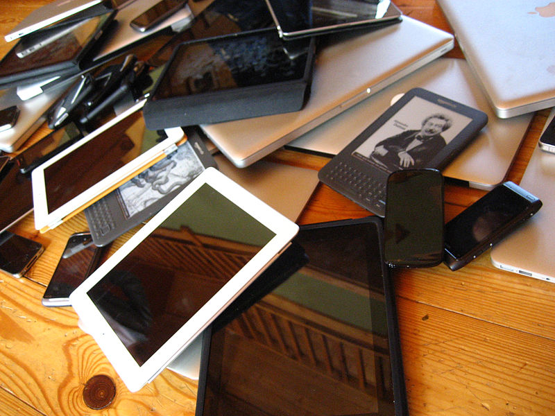 device-pile-laptop-tablet-phones-by-Jeremy Keith via wikimedia commons